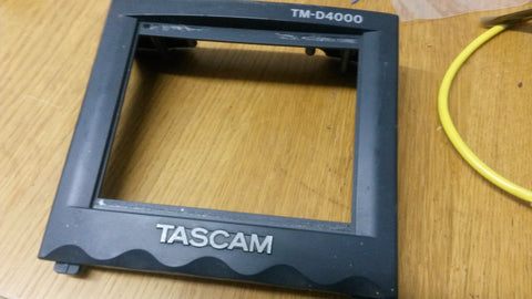 Tascam TM-D4000  screen surround