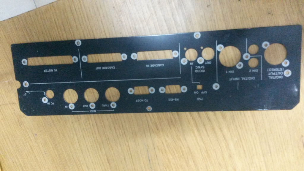 TM-D4000 mixer rear panel