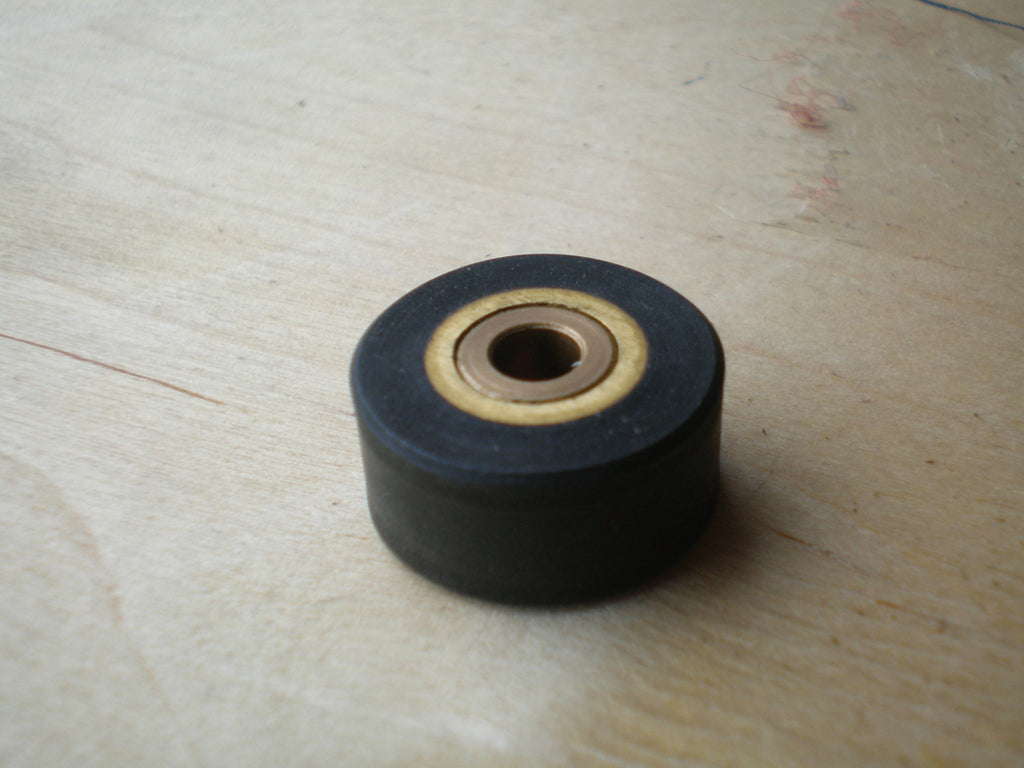 Fostex R8 1/4 inch Pinch wheel roller for refurbishment
