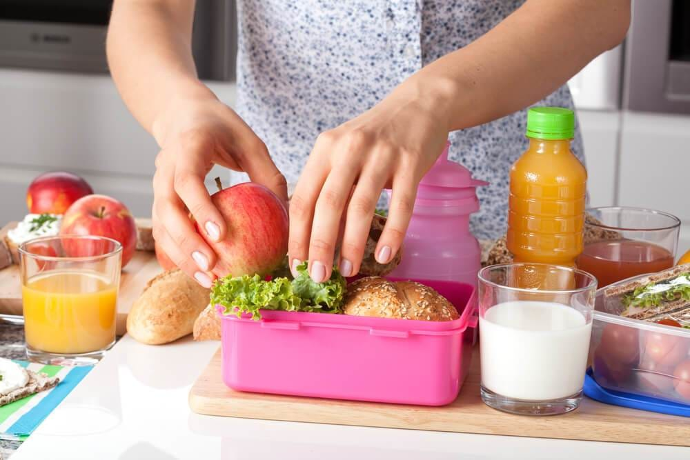 How to Pack a Healthy Lunchbox for the Kids this School Year