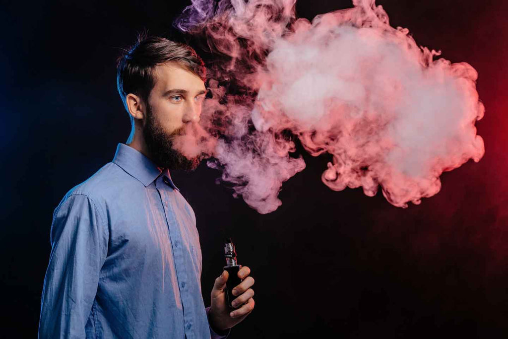Man vaping rainbowvapes e-liquid