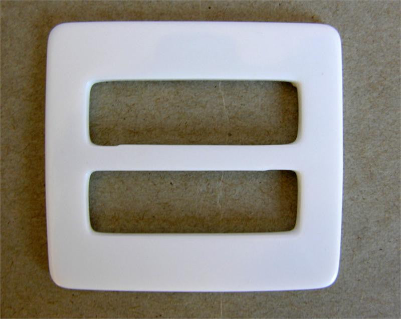 White Gloss Plastic Buckle (Box of 25)