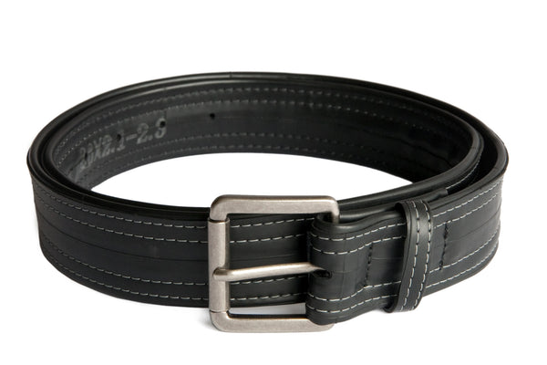 Made from 100% recycled materials by Alchemy Goods, this simple black belt is a timeless accessory for all occasions