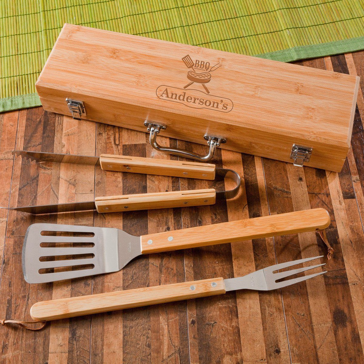 Personalized-Grilling-BBQ-Set-with-Bamboo-Case