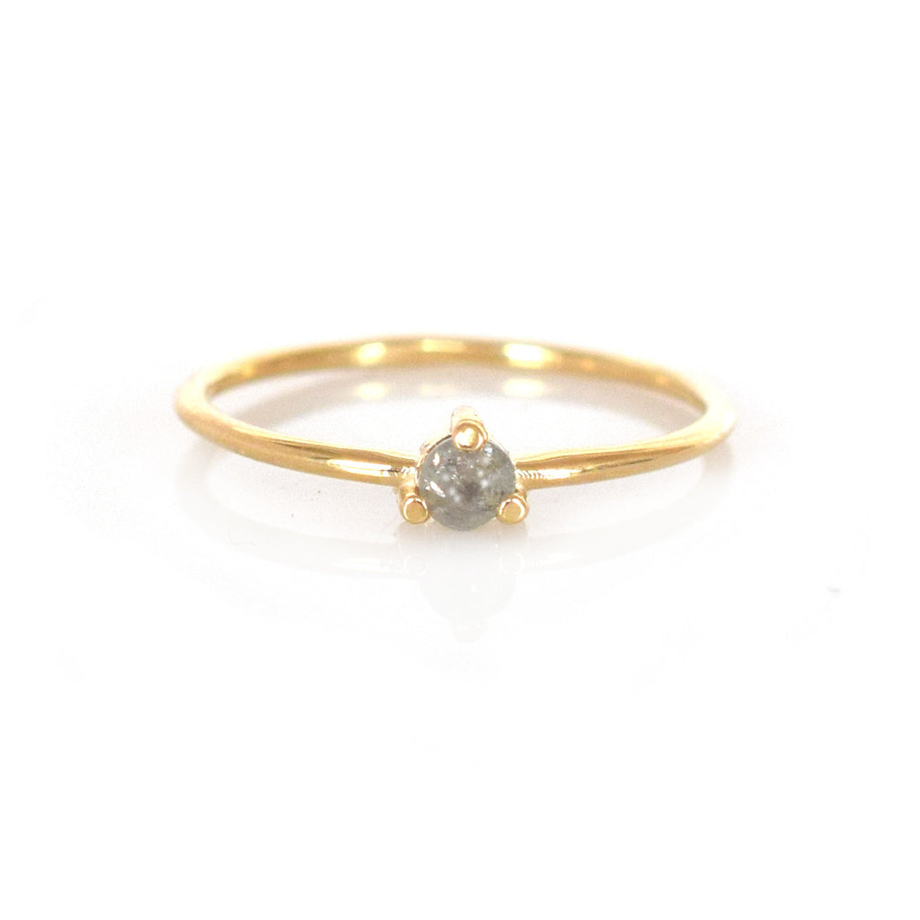 14k Salt & Pepper Diamond Point Ring