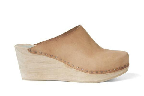 Leather Clog in Nude