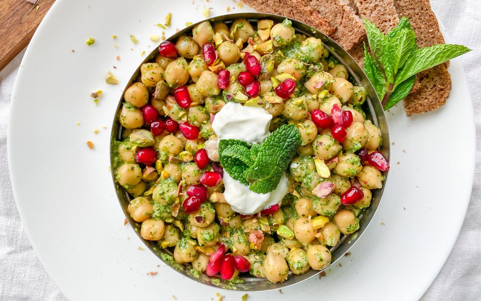 Healthy Lunch Easy Ideas | Healthy Chickpea Salad with Vegan Pesto