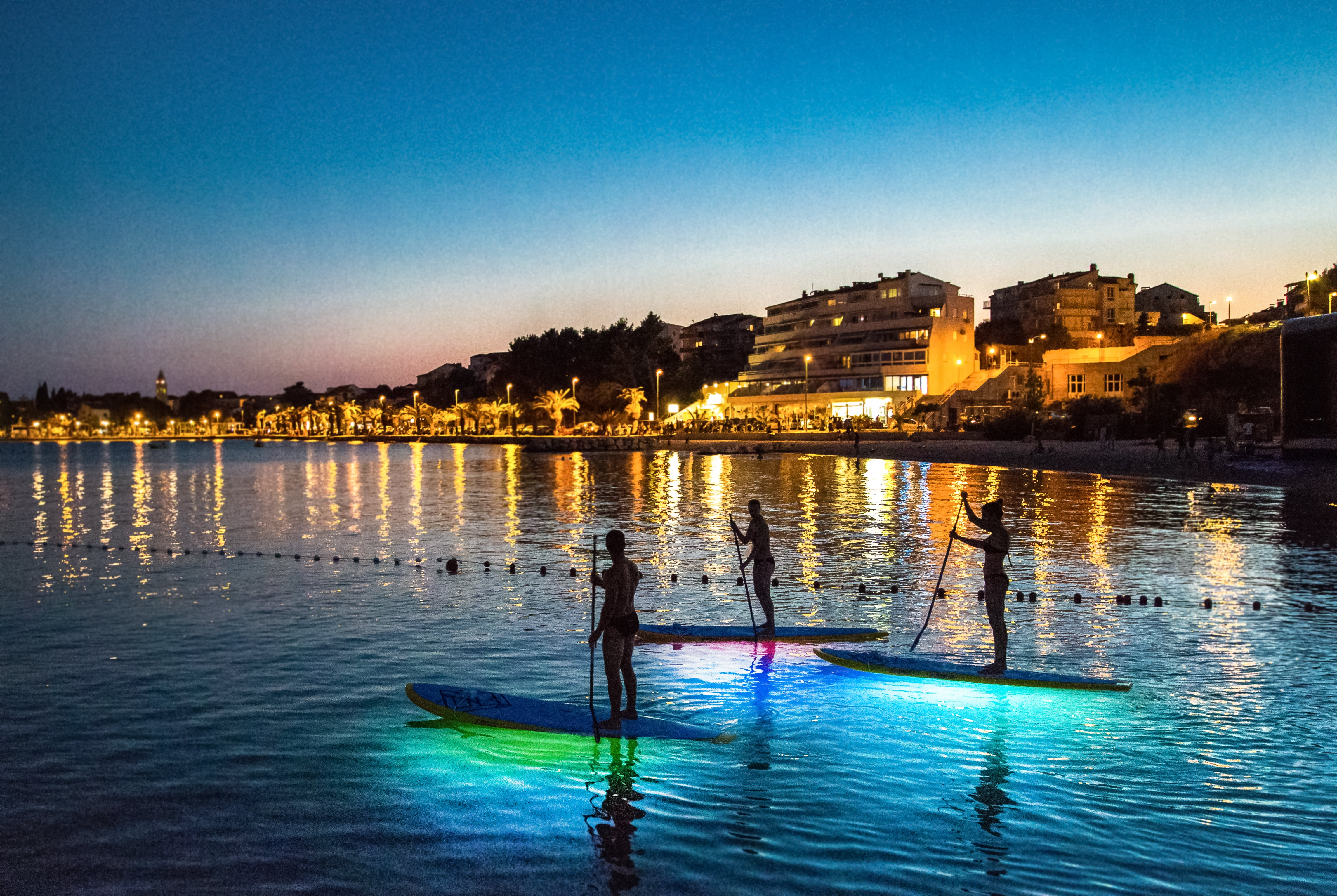 REVIEW: GLOW PADDLEBOARDING WITH ADRIATIC SUP