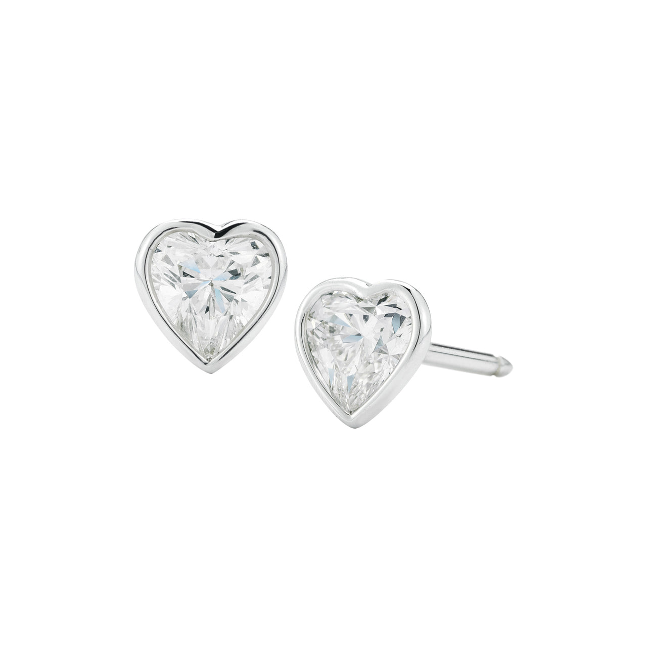 Finn everyday handmade 18k gold diamond heart studs