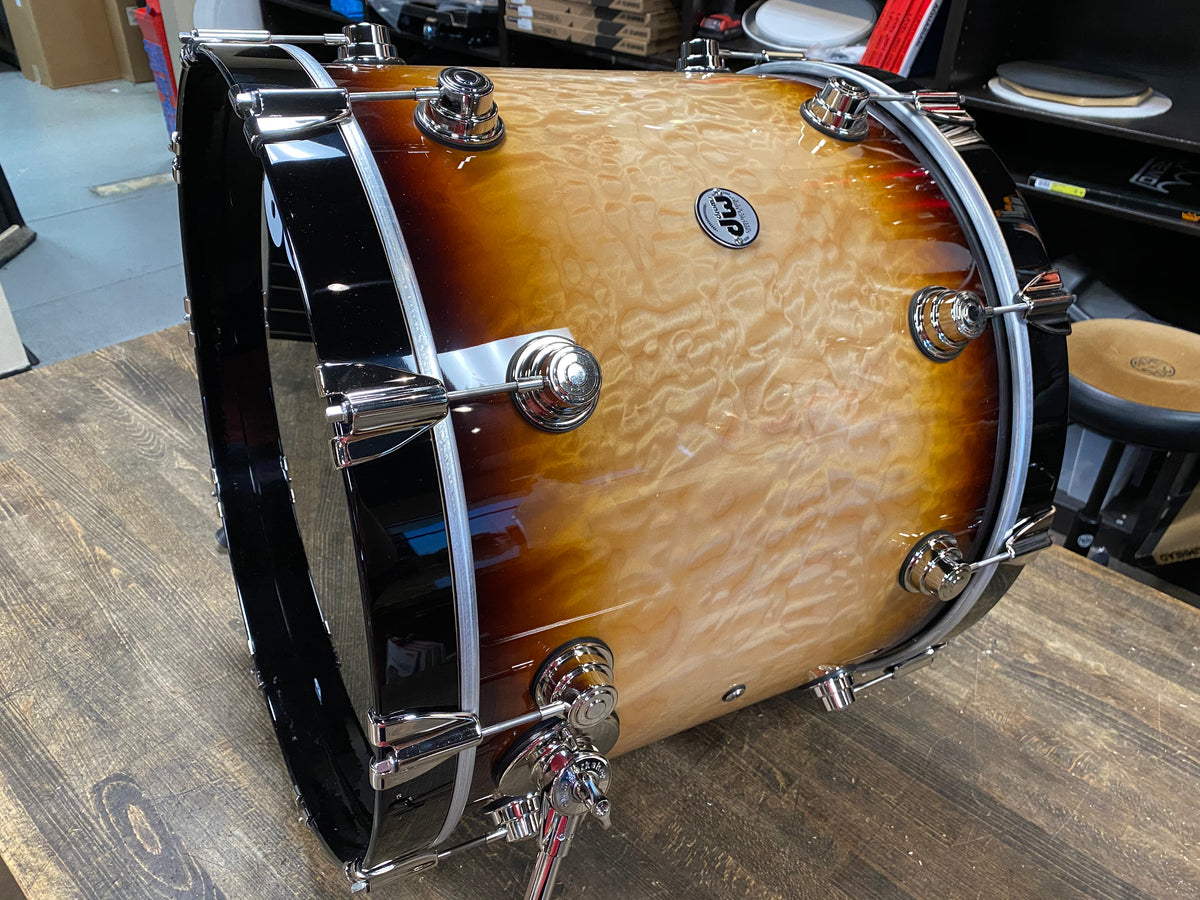 DW Collector's Series Exotic 10/12/16/22/14 Shell Pack - Burnt Toast Burst over Quilted Maple
