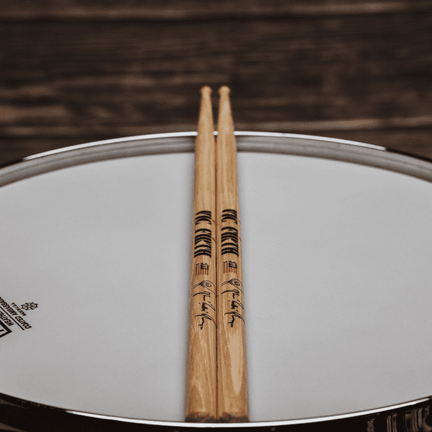 Vic Firth SAT2 Signature Series Ahmir Questlove Thompson Natural Drumsticks