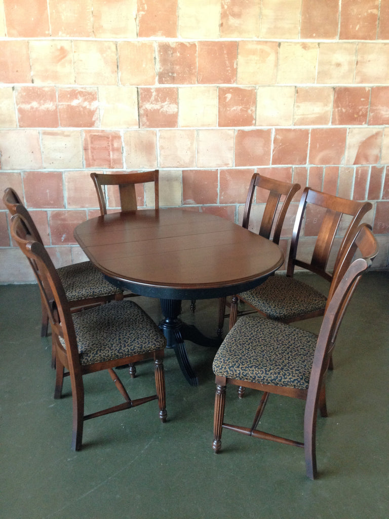 Thomasville Dining Room Set with 6 Chairs
