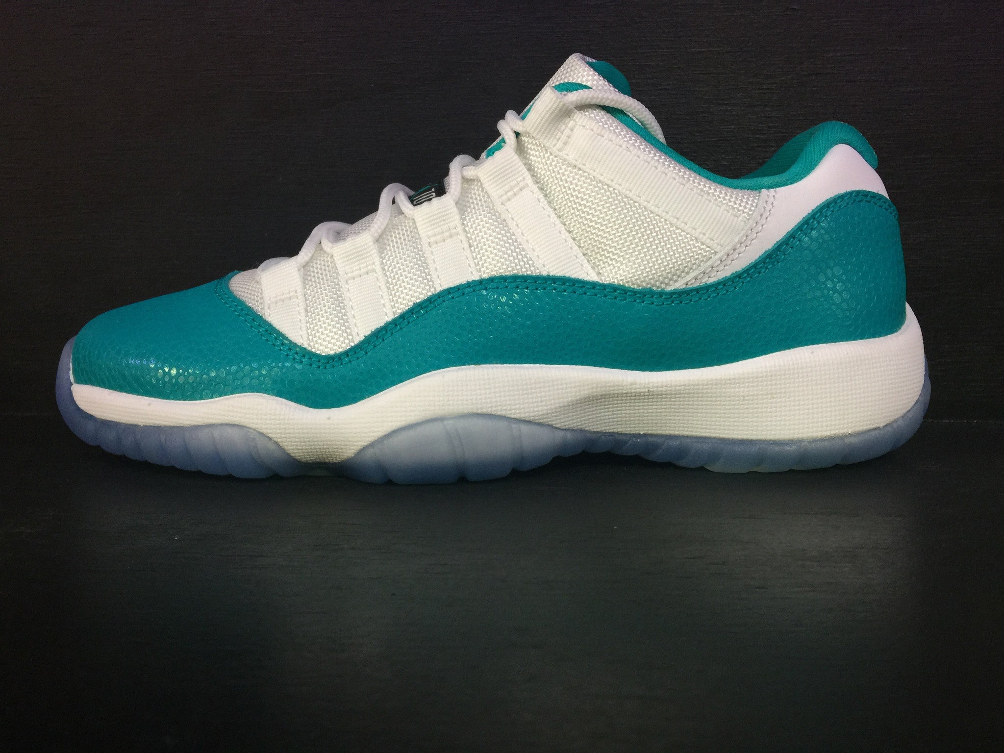 Air Jordan 11 Retro Low GG 'Aqua'