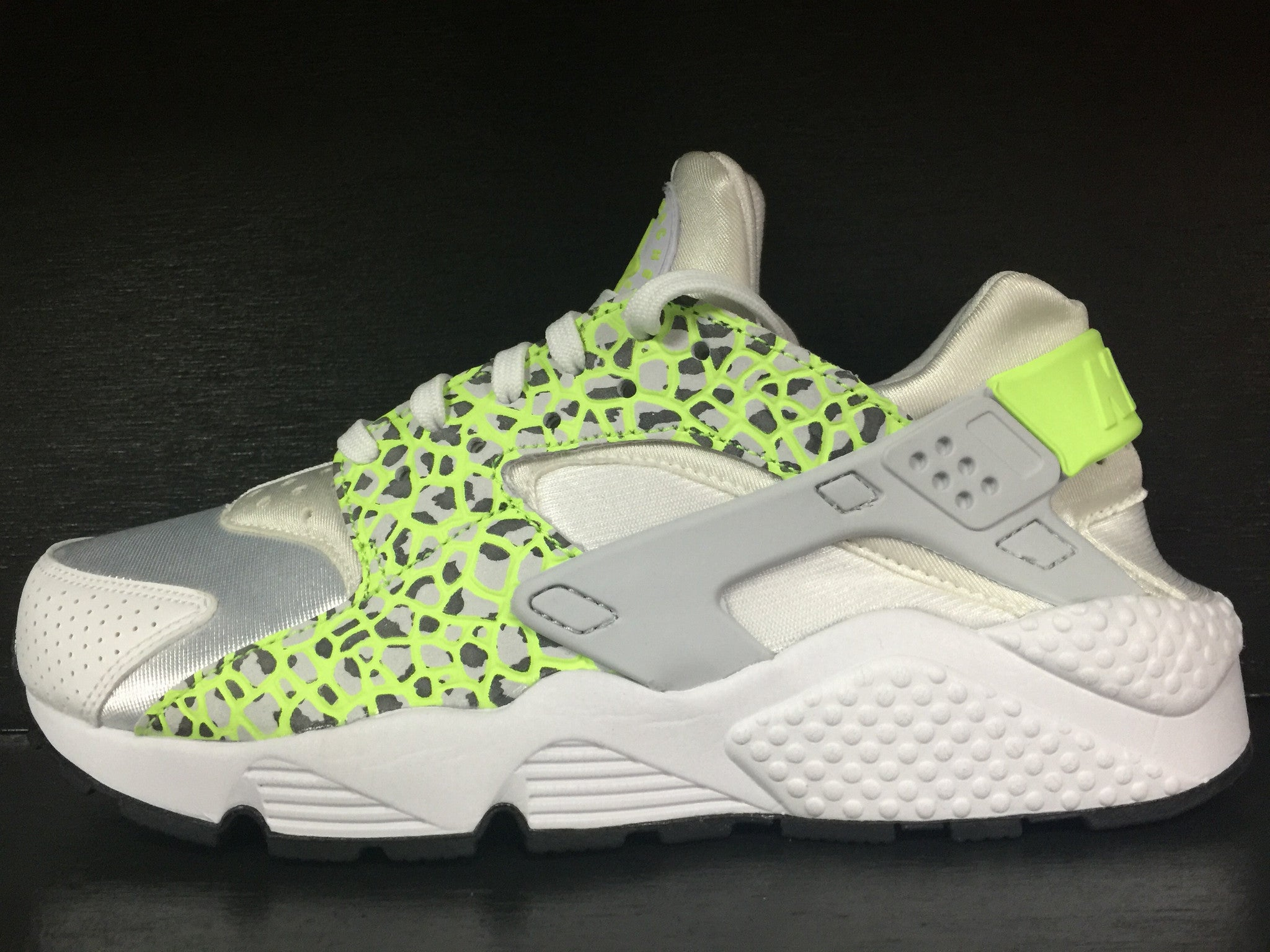 WMNS Air Huarache Run Prm 'Ghost Green'