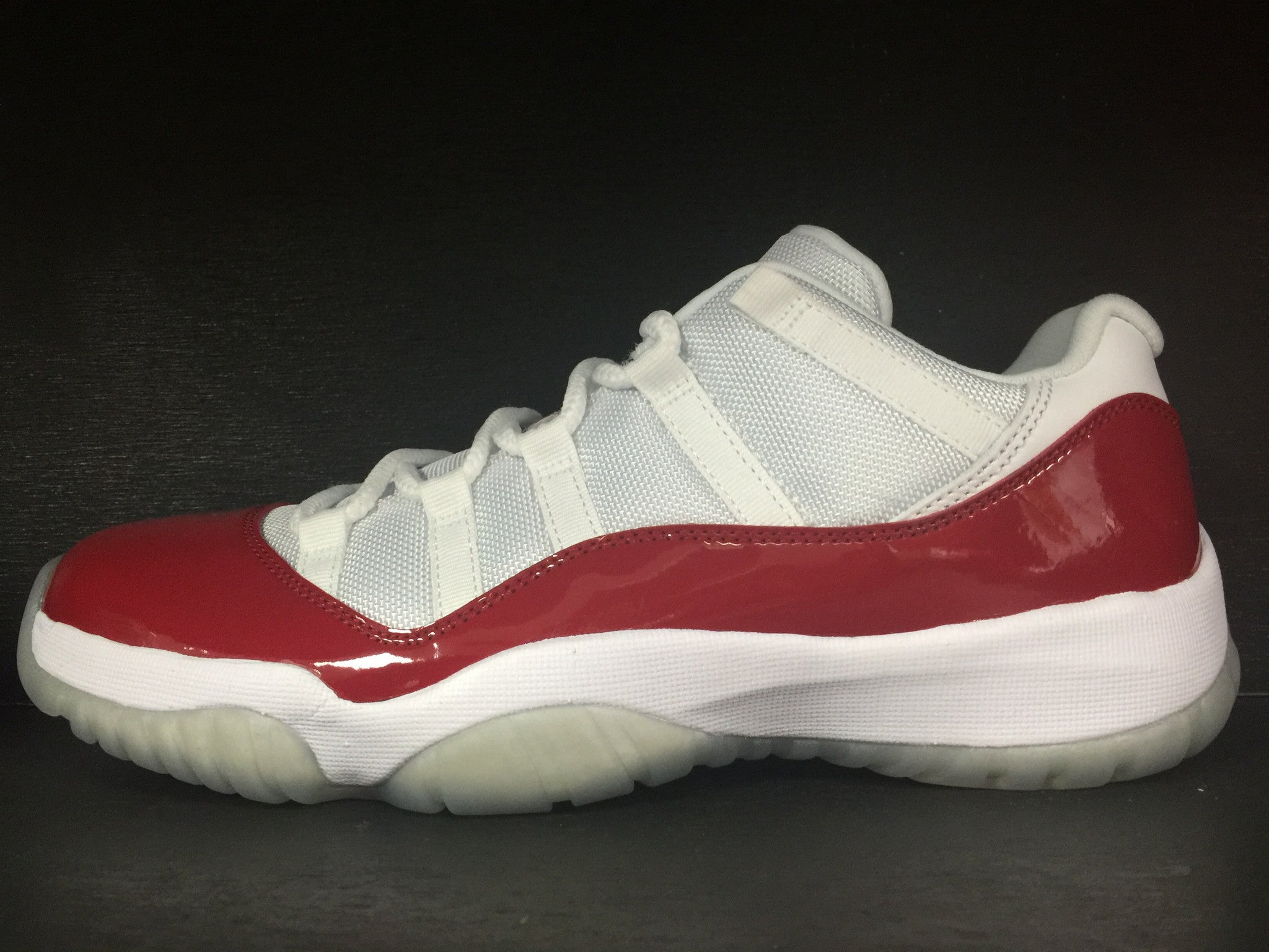 Air Jordan 11 Retro Low 'Varsity Red'