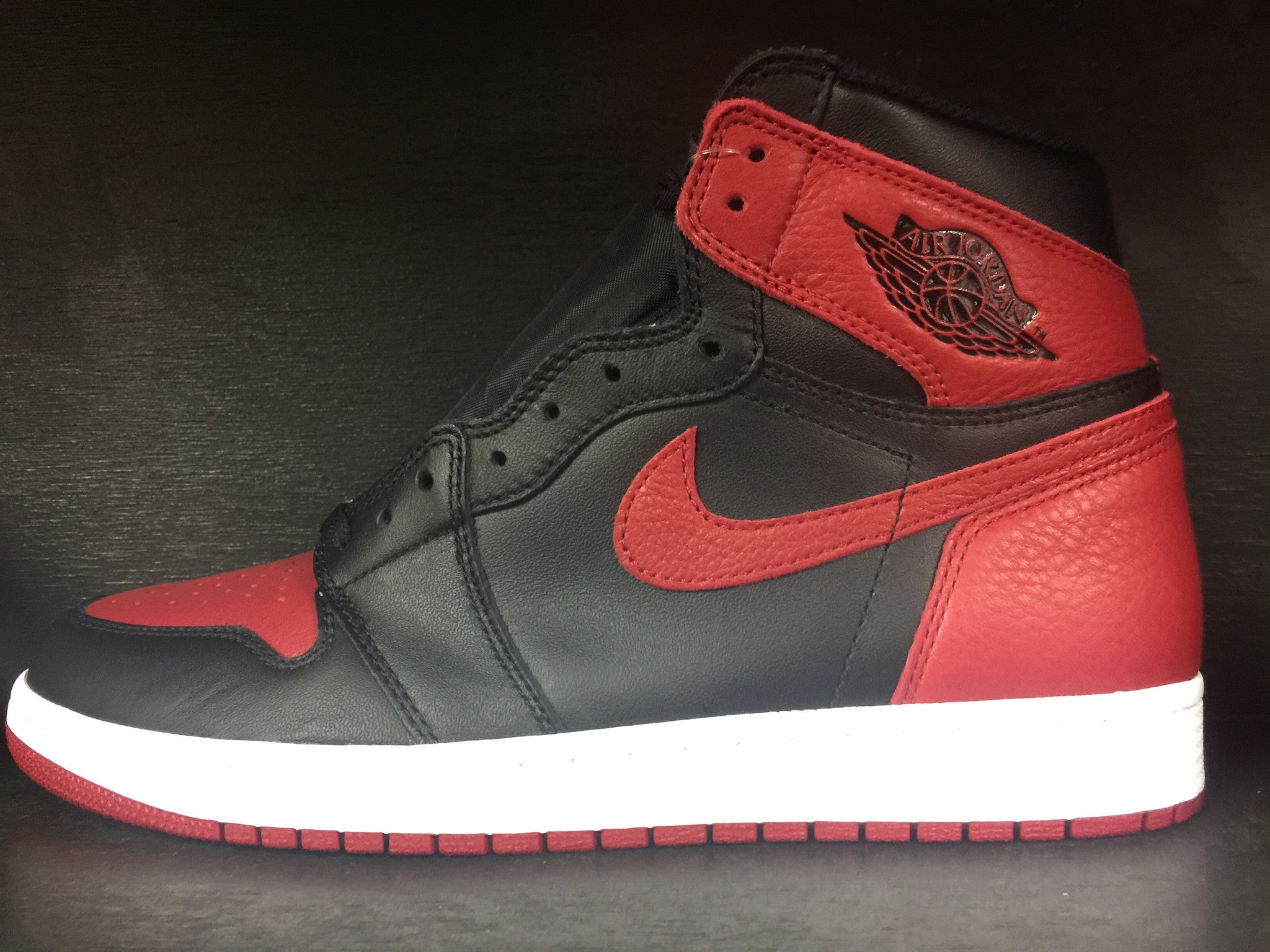 Air Jordan 1 Retro High OG 'Banned'