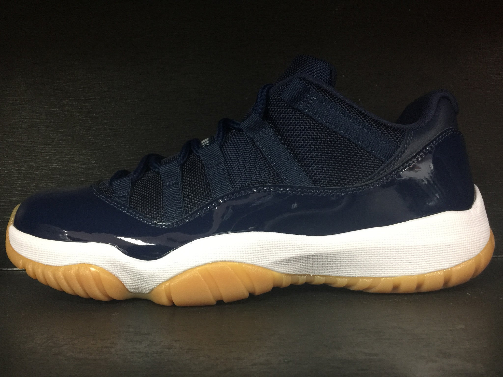 Air Jordan 11 Retro Low 'Navy'
