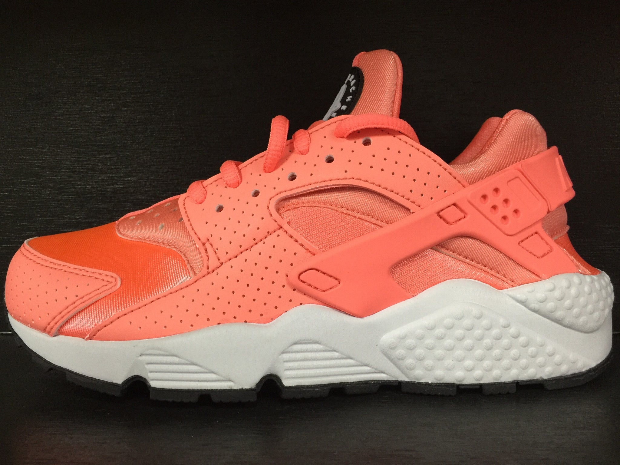 WMNS Air Huarache Run 'Atomic Pink'