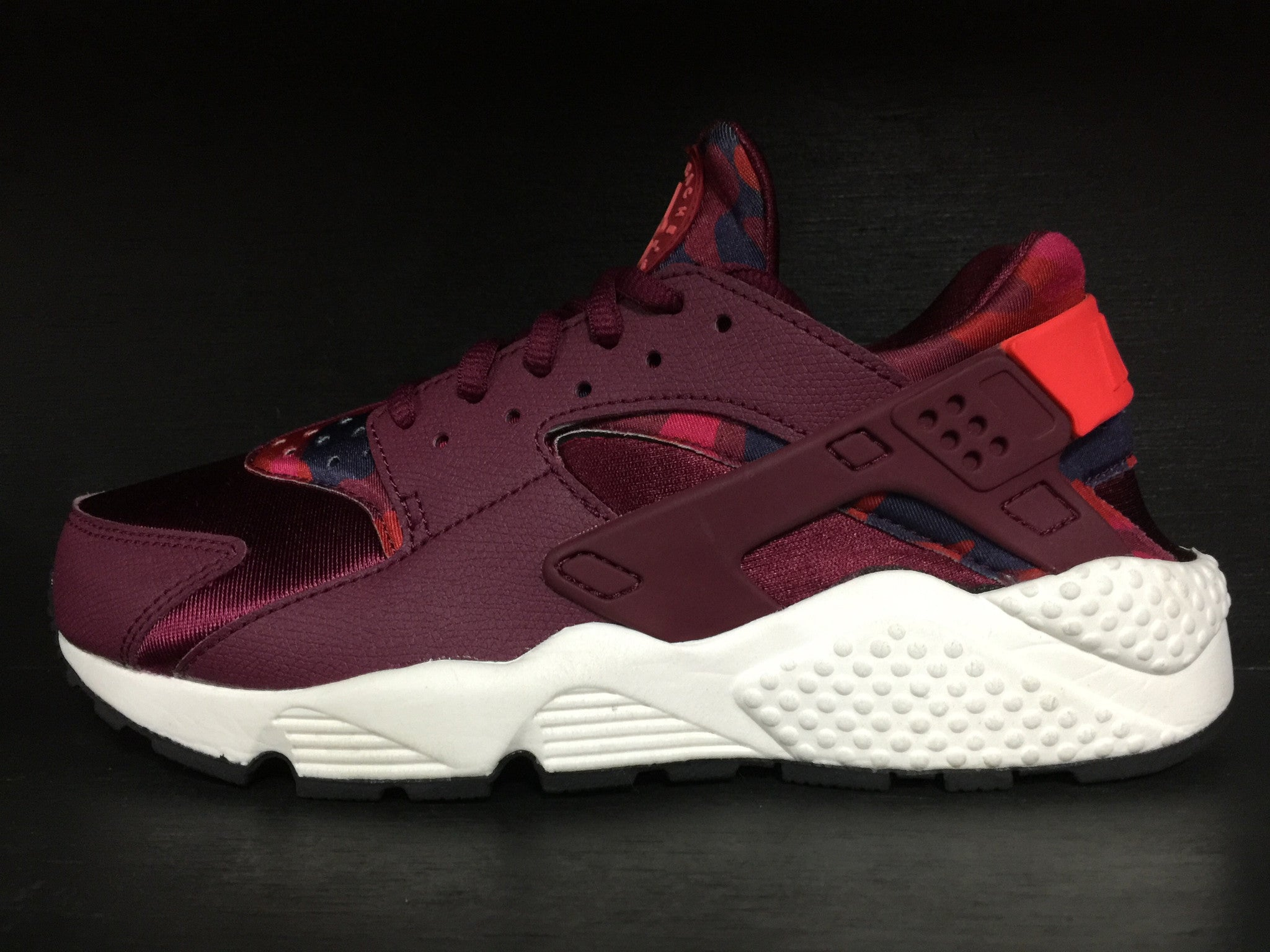 Wmns Air Huarache Run Print 'Deep Garnet'