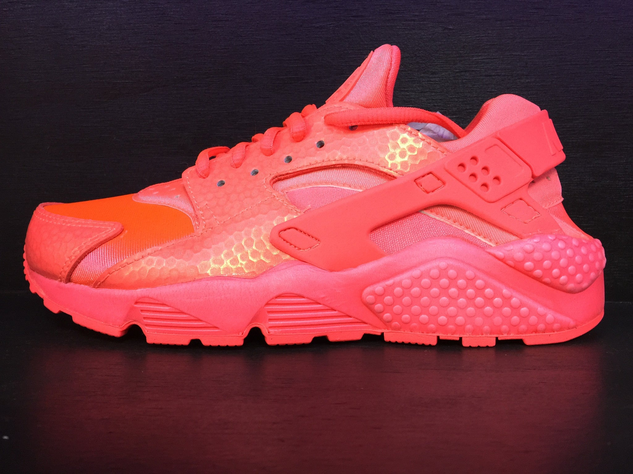 Wmns Air Huarache Run PRM 'Hot Lava'