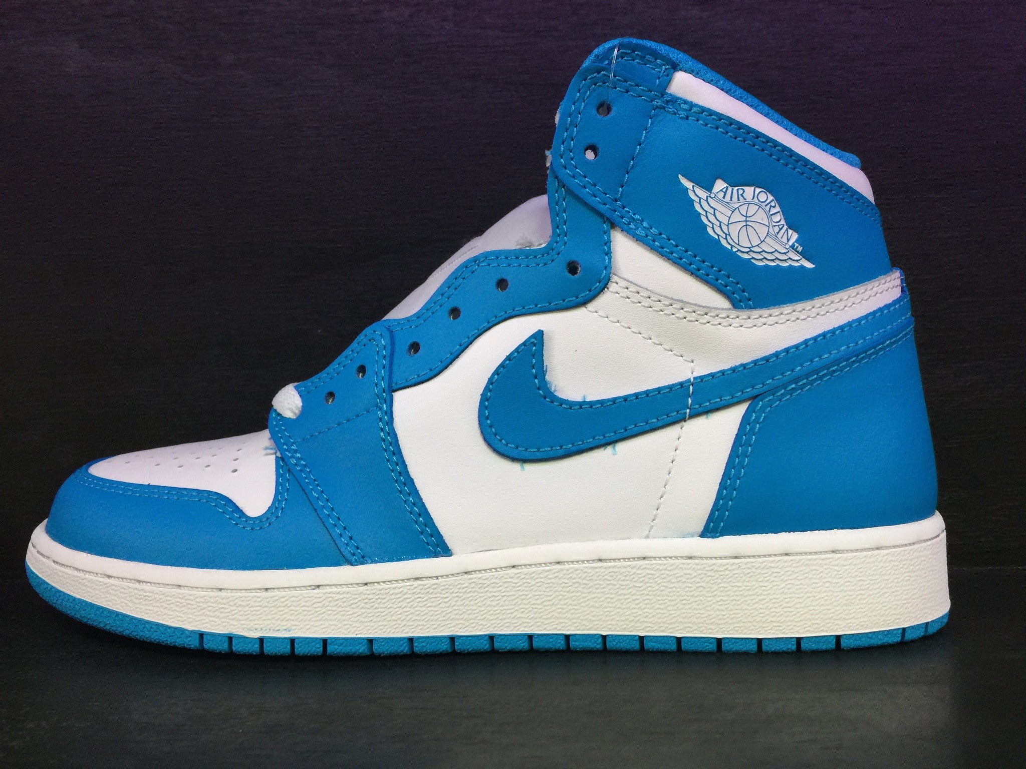 Air Jordan 1 Retro 'UNC' Grade School