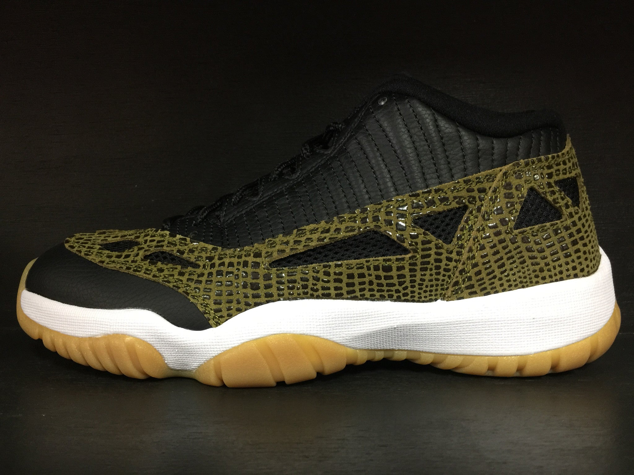Air Jordan 11 IE Low 'Croc'