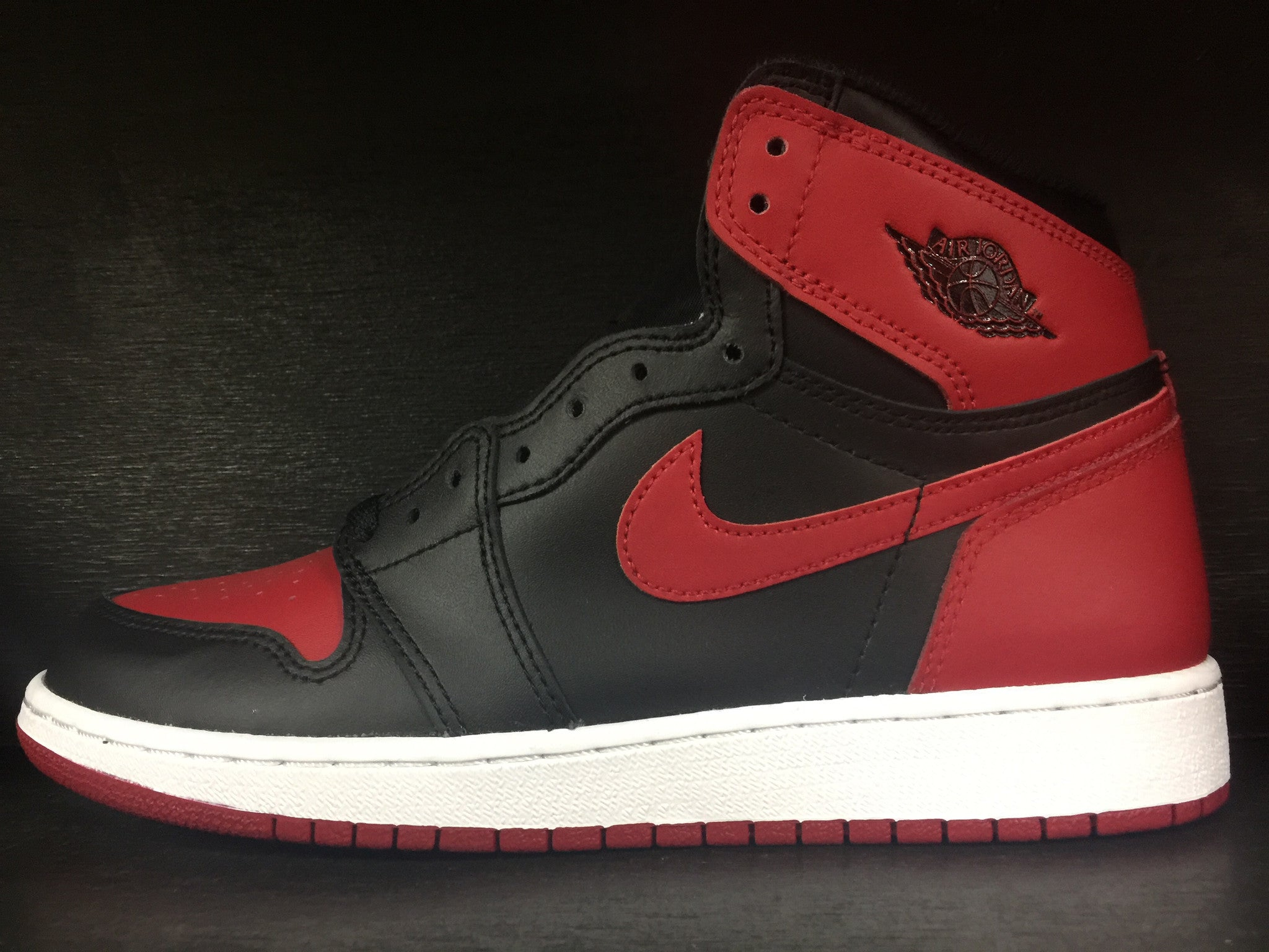 Air Jordan 1 Retro High OG 'Banned' GS