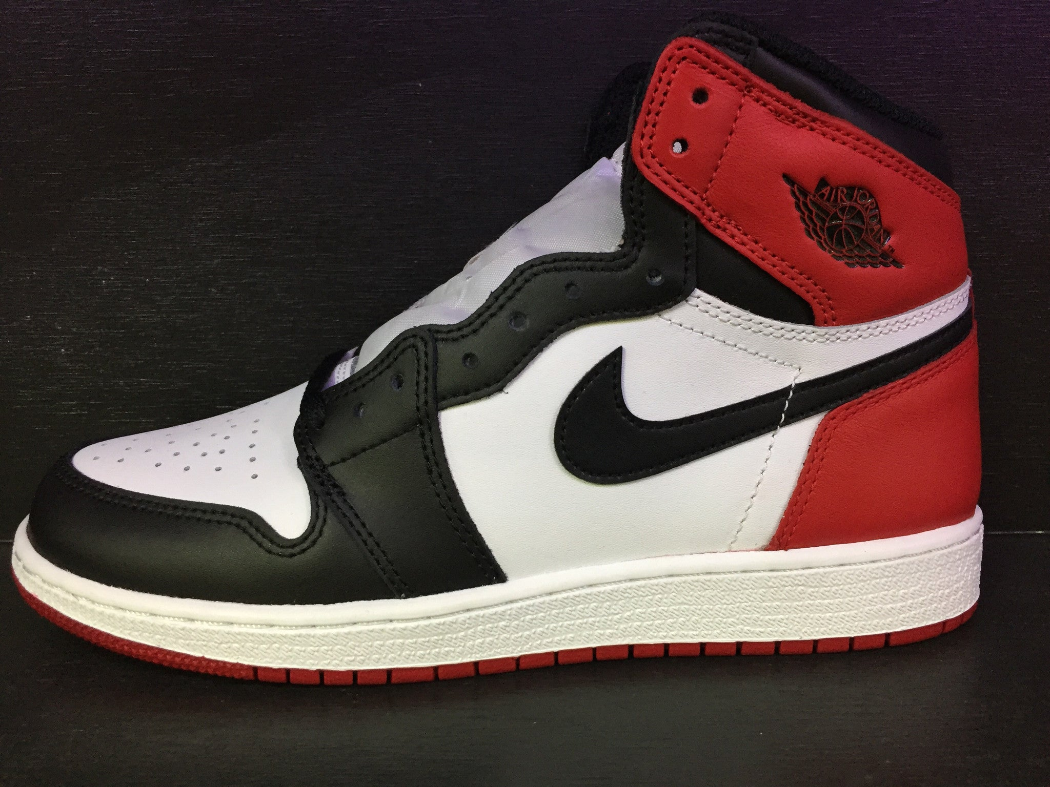 Air Jordan 1 Retro High OG 'Black Toe' GS 2016
