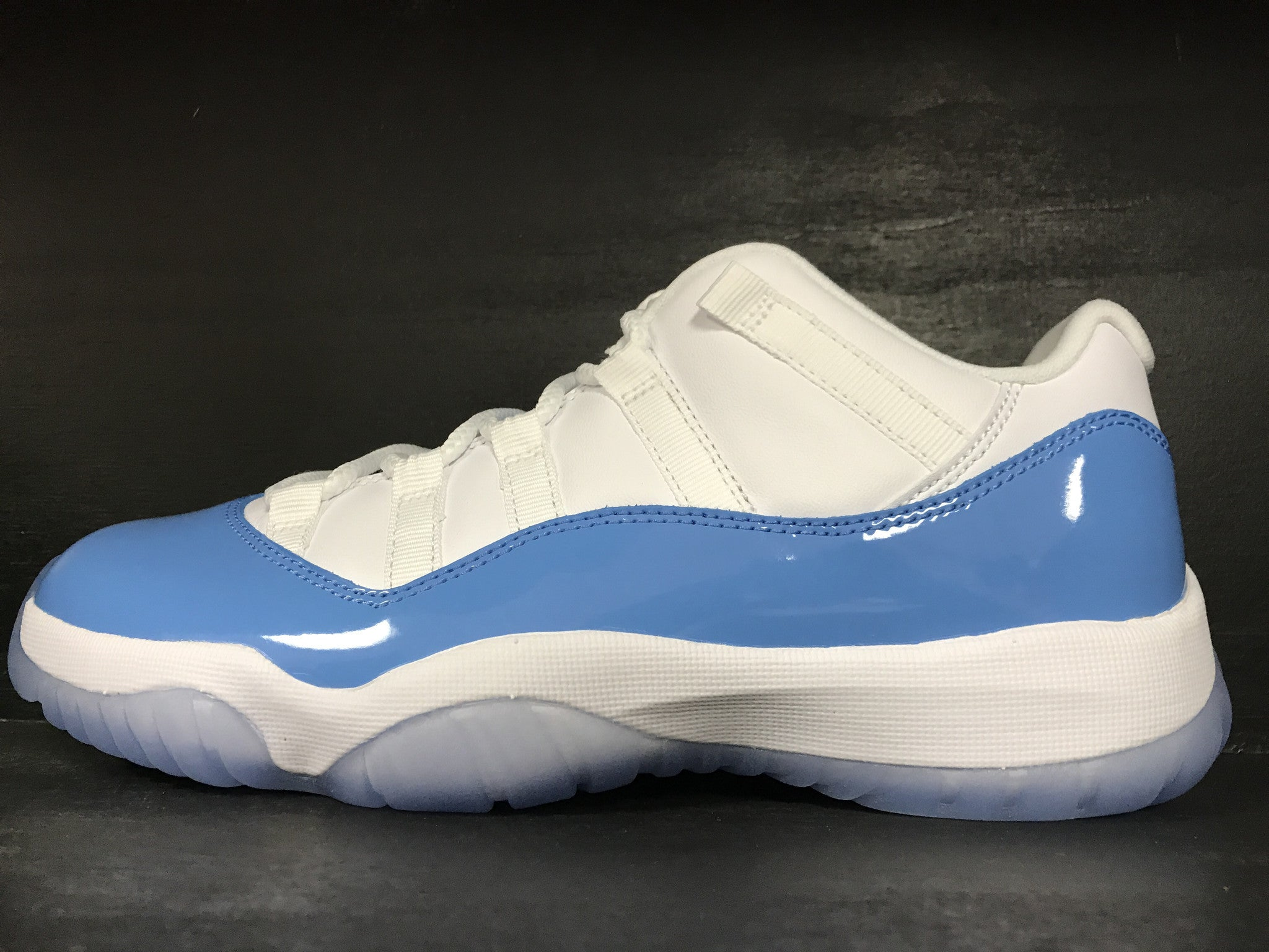 Air Jordan 11 Retro Low 'Columbia'