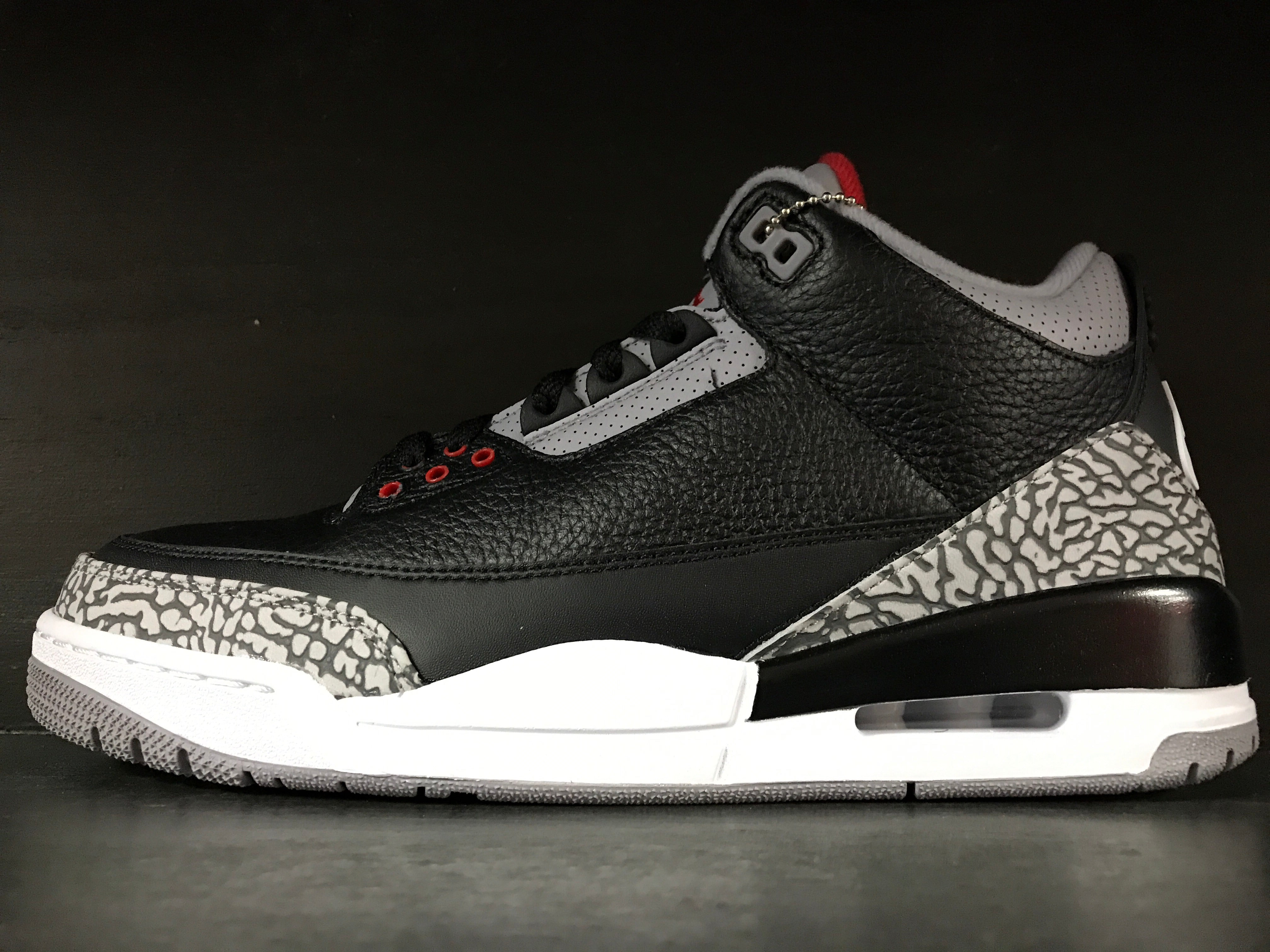 Air Jordan 3 Retro OG 'Cement'