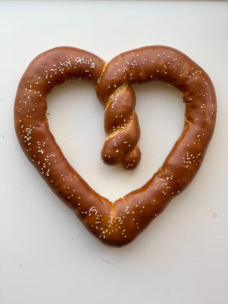 1lb Heart Shaped Bavarian Pretzel