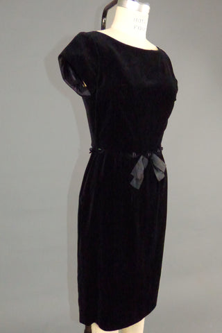 Vintage Black 50s/60s Velveteen Dress