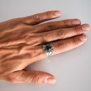 Silver ring with blue tourmaline inset - Mandara bags