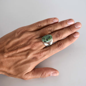 Silver ring with turquoise inset - Mandara bags
