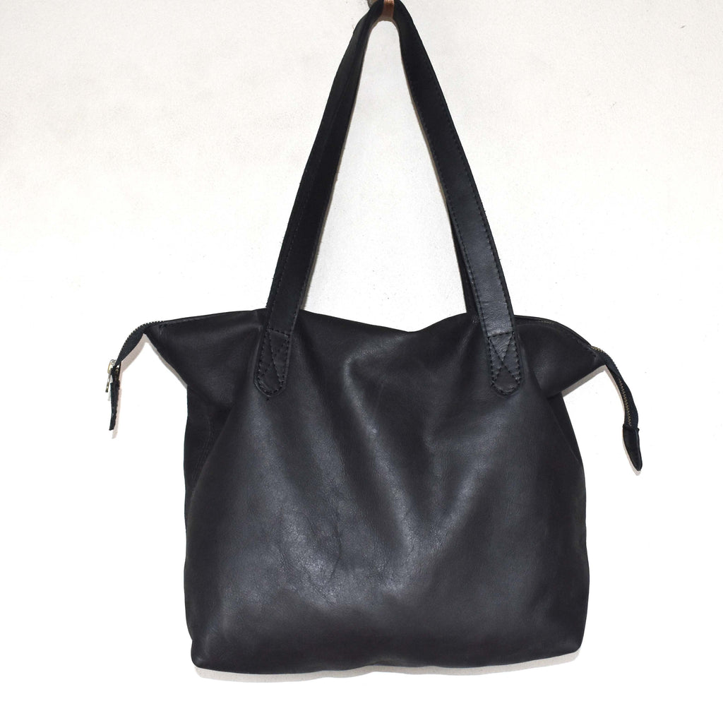The Basic Leather Tote- Diesel black - Mandara bags
