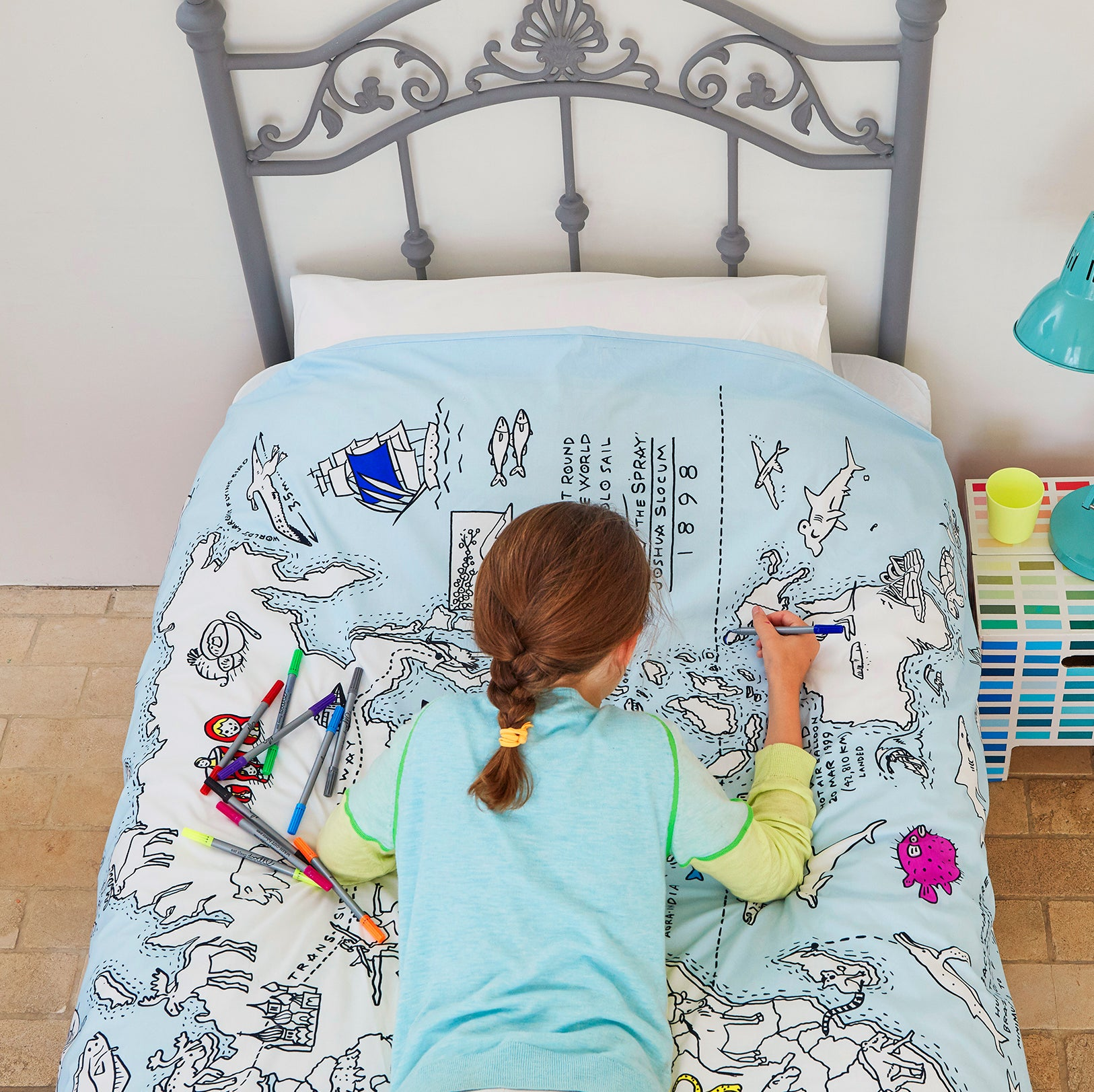 colour & learn world map duvet - twin