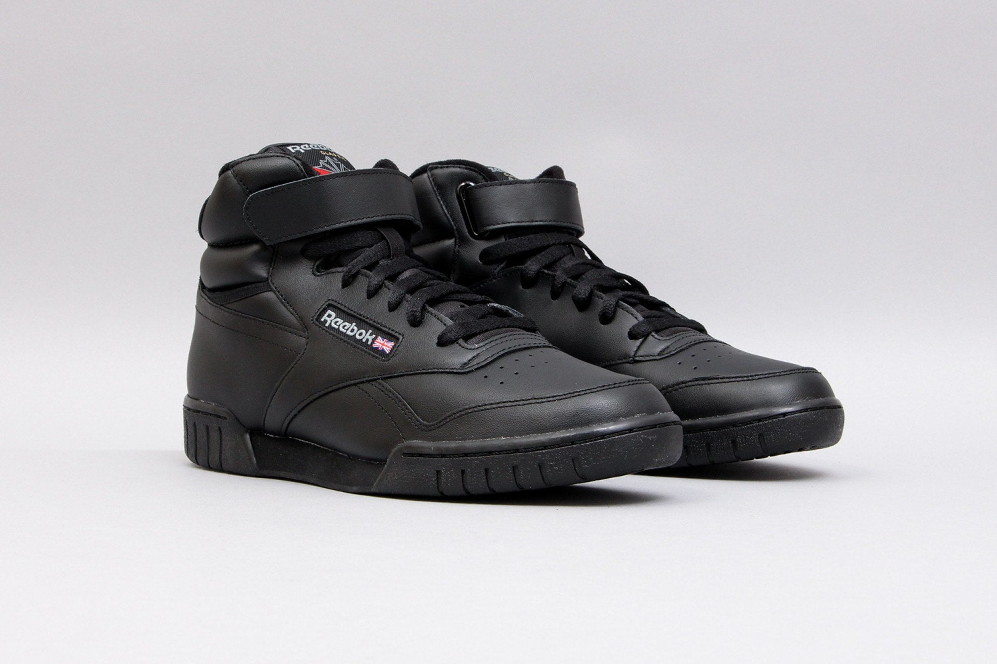 classic black reeboks for men