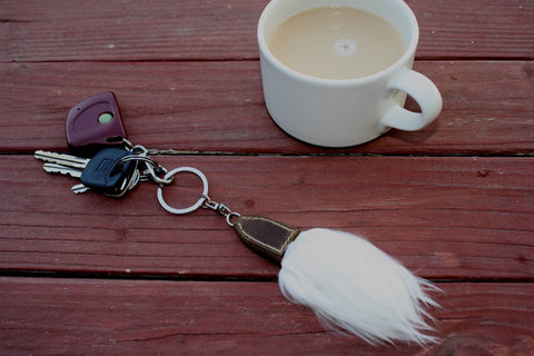 Lucky AlpacaTail Fur Keychain Fun TU White