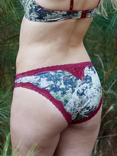 Kings Camo Cranberry Women's pantie - American Outdoor Woman