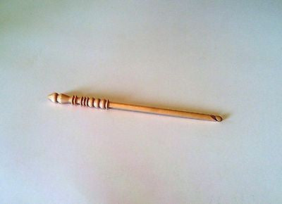 Brittany wood crochet hook size m