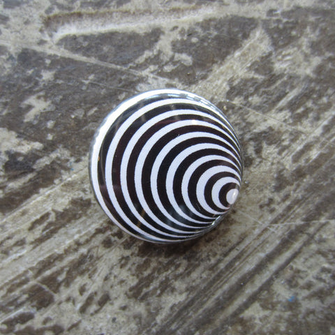Noah Lyon Button: Circular Pattern