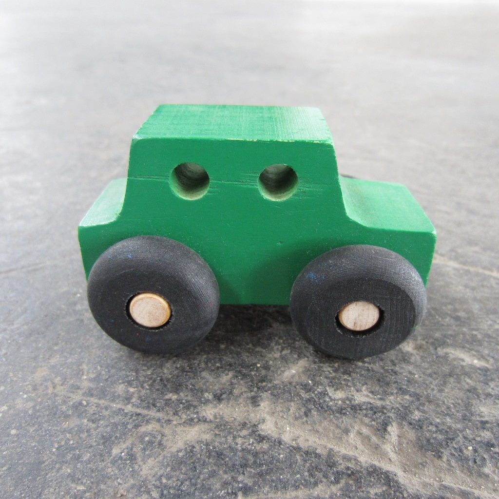 Little Wooden Car: Green Sedan