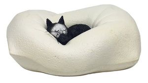 Kitty Cat Sleeping in Fluffy PIllow Nap Statue Paperweight for Cat Lovers by Dubout 4.5L