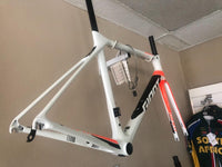 *New* 2018 Giant TCR Adv Pro 0 Carbon Frame - Med