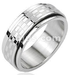 Checkered Spinner Ring