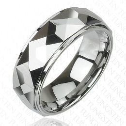 Multi-Faceted Prism Design Ring