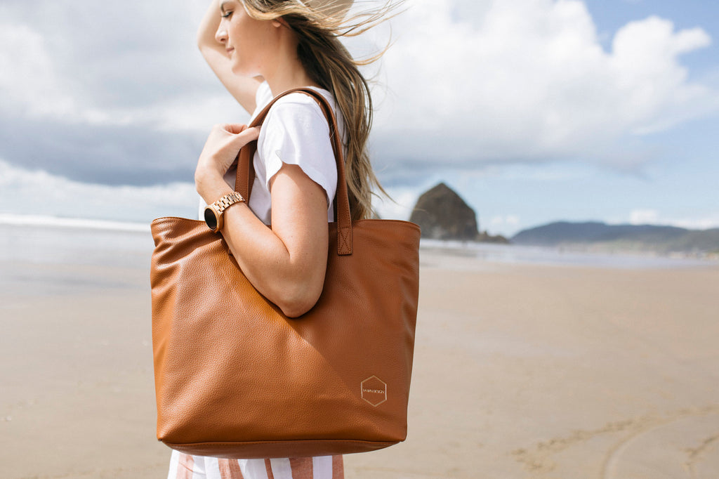 The New Fawn Design Tote Bag in Brown