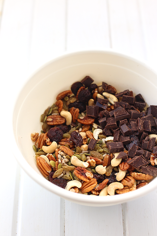 Homemade Trail Mix - Healthy Pregnancy Snacks - Fawn Design