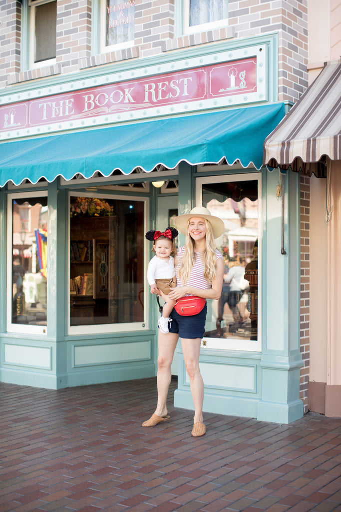 Fawn Design Fawny Pack in Poppy - Disneyland Tips