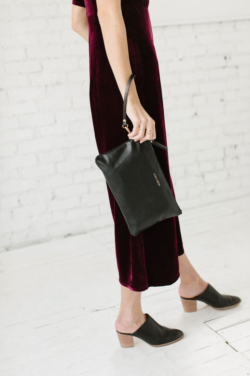 Fawn Design Holiday Outfits - Fawn Clutch in Black